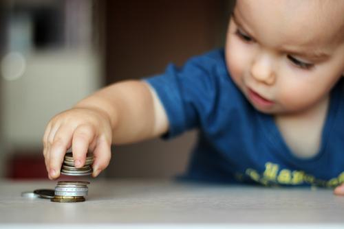 Çocuklarınızın yanında para konusuna dikkat!